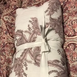 Pottery Barn Shani Reversible Coverlet - Queen